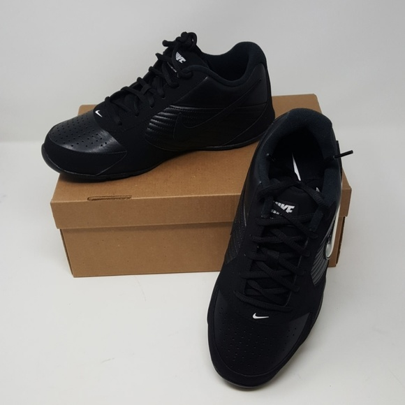867983b5e2b Nike Air Baseline Low Basketball shoe. M 5a83479045b30cbc1d9e150a